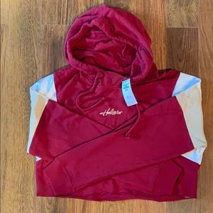 NWT cropped Hollister hoodie